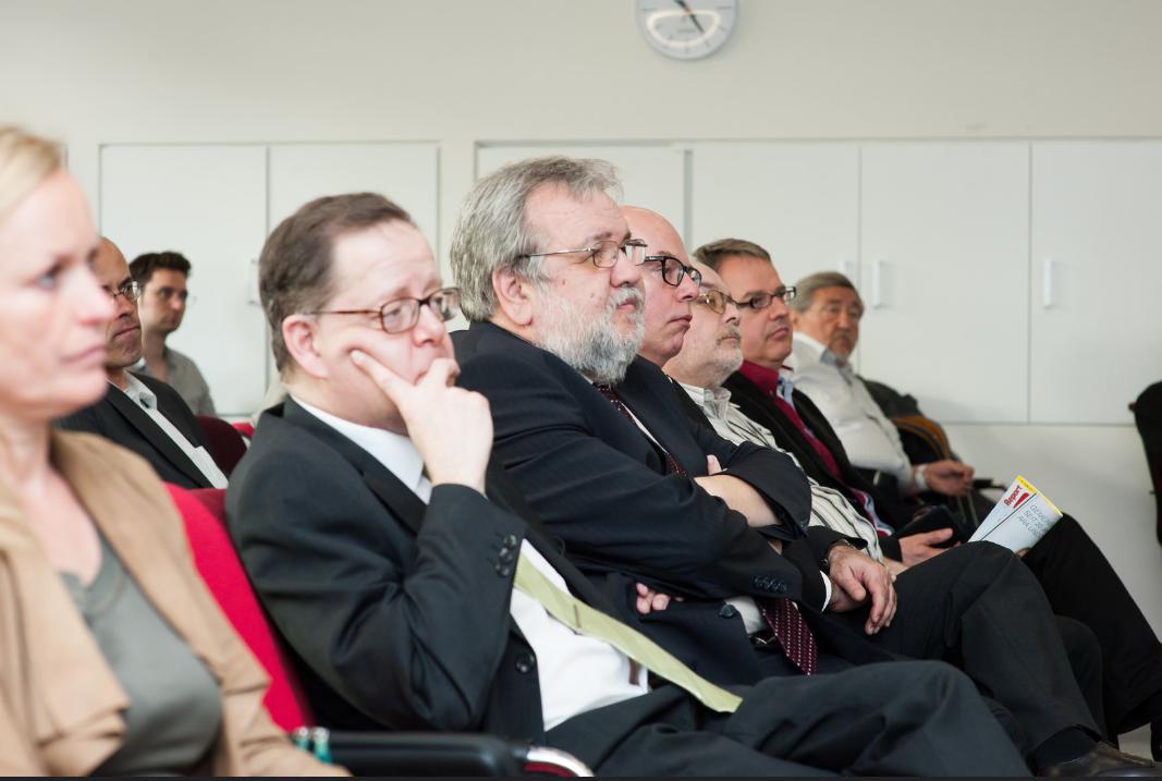 Friedrich Szukitsch bei der Podiumsdiskussion vom Report Verlag am 27.4.2015