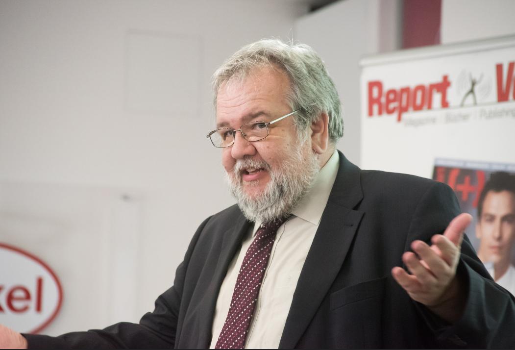Podiumsdiskussion Report Verlag 27.4.2015_04